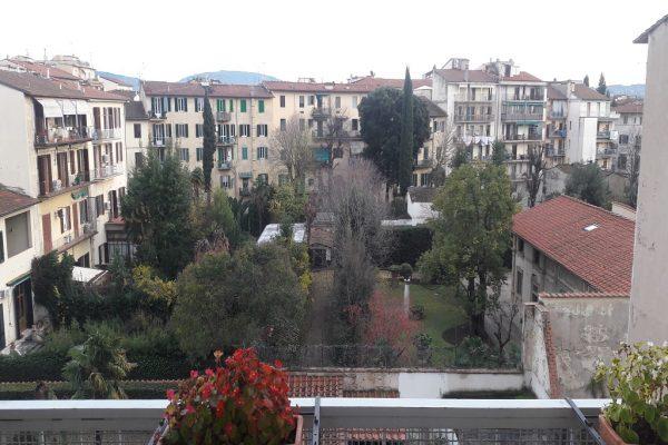 Savonarola pressi 6 vani con box auto e cantina